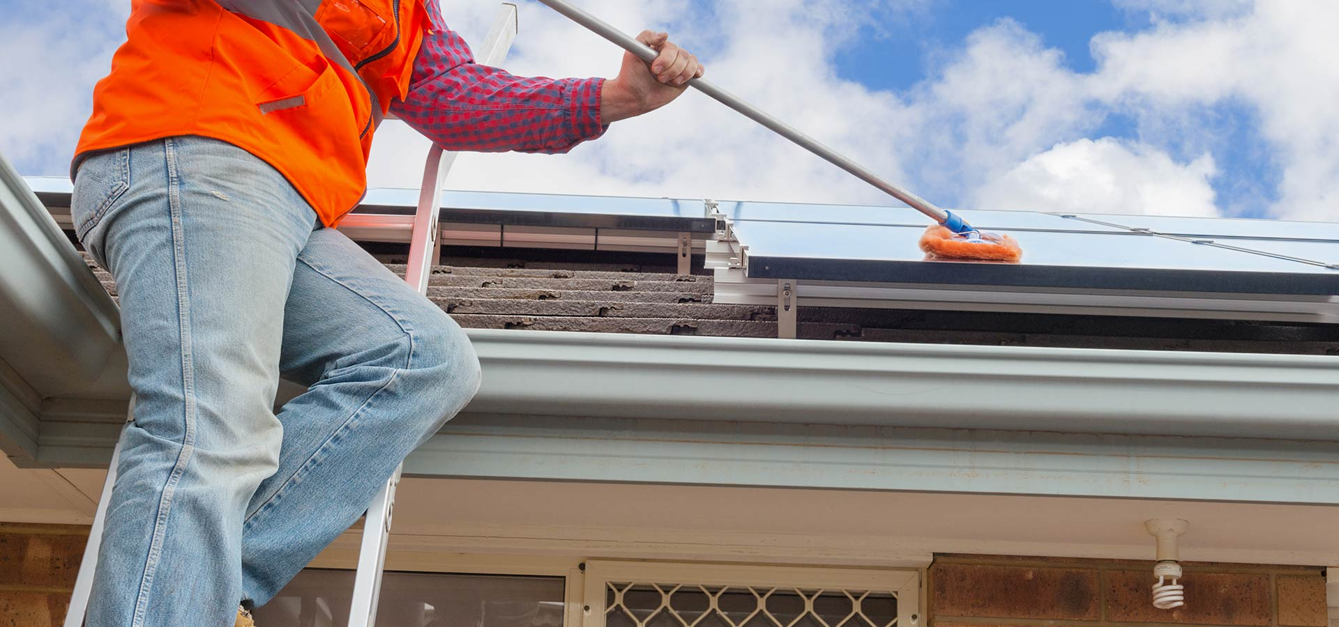 WINDOW & SOLAR PANEL CLEANING SERVICES IN WAGGA WAGGA